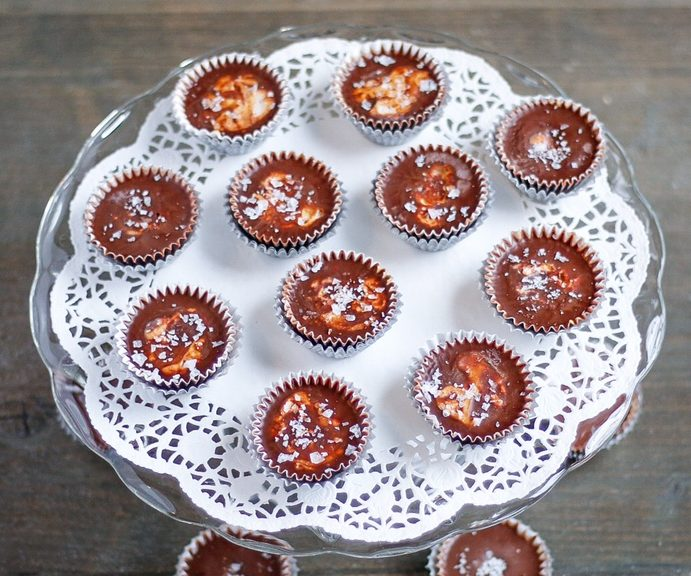 buckeyes, buckeye cups, chocolate peanut butter cups, peanut butter cups, vegan peanut butter cups