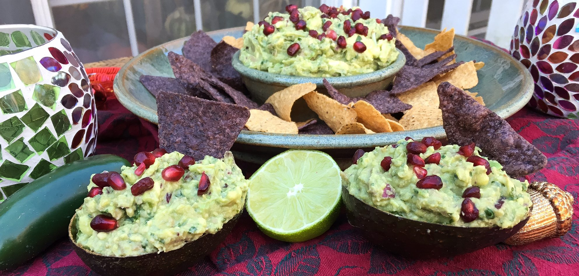 guacamole, avocado, chipotle, cilantro, mexican food, appetizer, pomegranate seeds, holiday appetizer