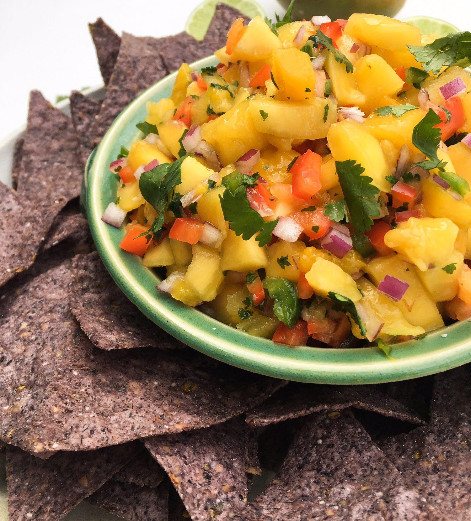 mango salsa, tropical salsa, mango, salsa, fresh mango salsa, superbowl appetizer