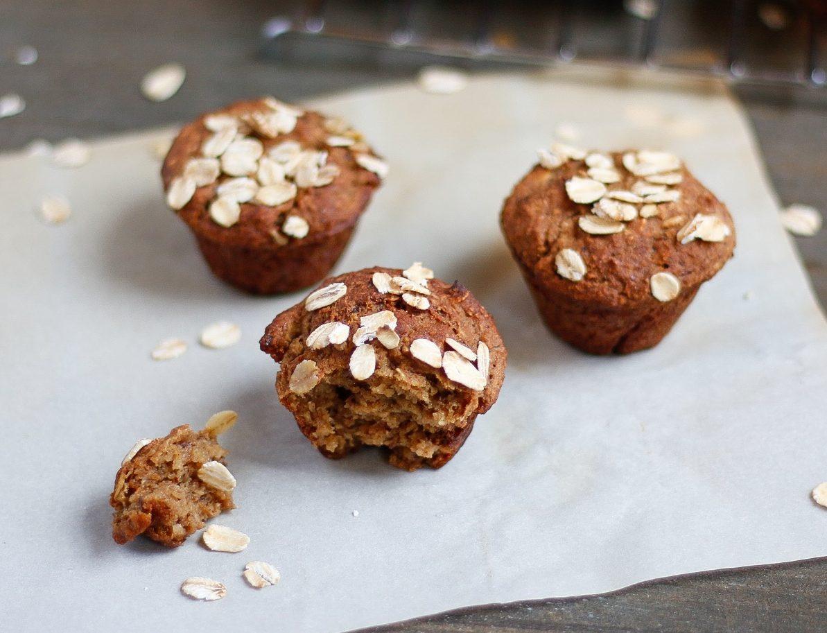 applesauce oat bran muffins, oat bran muffins, applesauce muffins, mini muffins, applesauce mini muffins