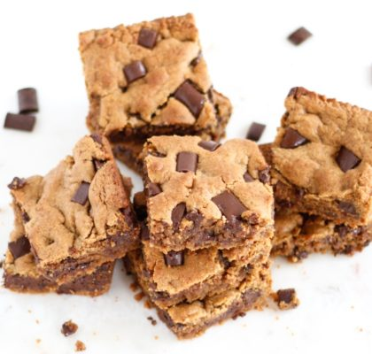 vegan chocolate chunk blondies, blondies, chocolate chunk blondies, vegan brownies