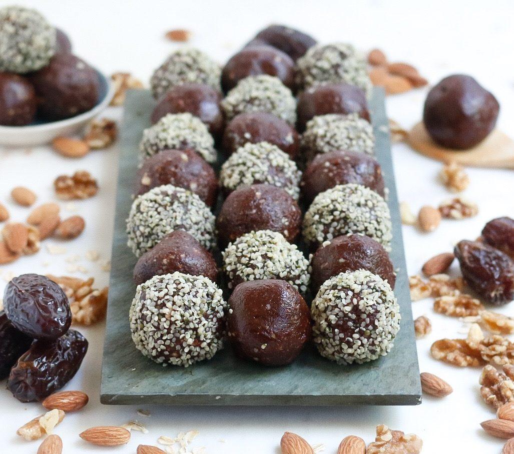 cacao nut energy balls, energy balls, chocolate energy balls, cacao energy balls, vegan energy balls