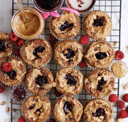 pbj, pbj muffins, peanut butter and jelly, peanut butter and jelly muffins, vegan peanut butter muffins, protein muffins