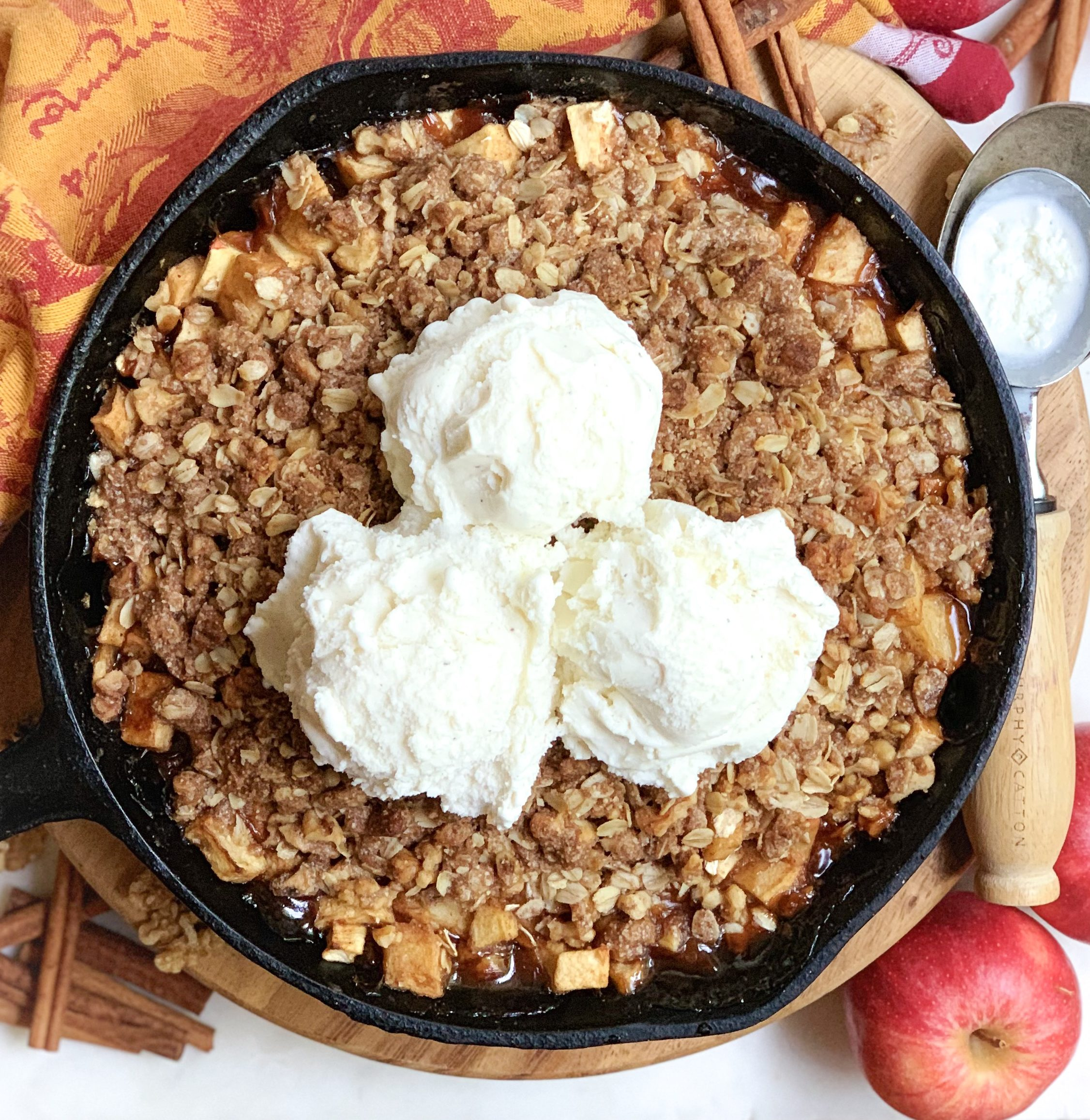 apple crisp, vegan apple crisp, skillet apple crisp, vegan skillet apple crisp, skillet apple pie